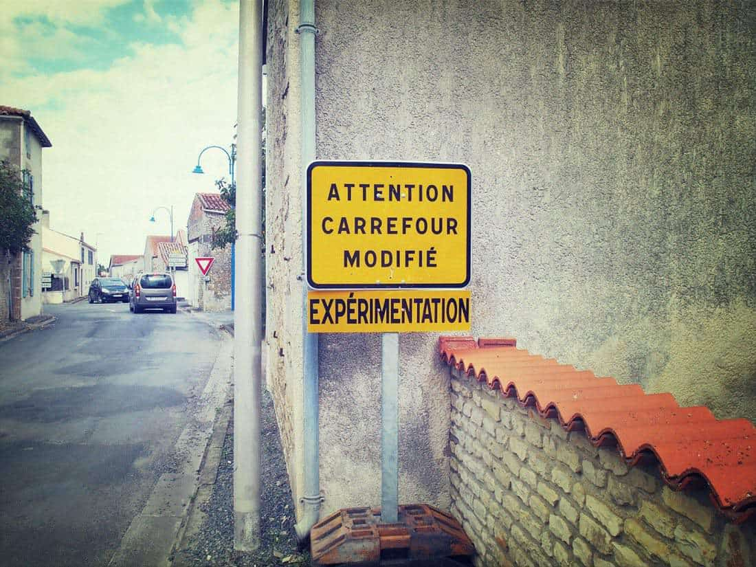 Experiments road sign, France (2015-08)