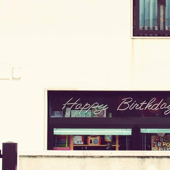 Happy birthday in a shop window, Italy (2015-04-08)