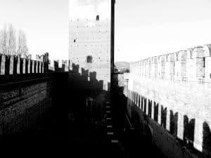 Castelvecchio in b/w, Verona, Italy (2016-01-20)