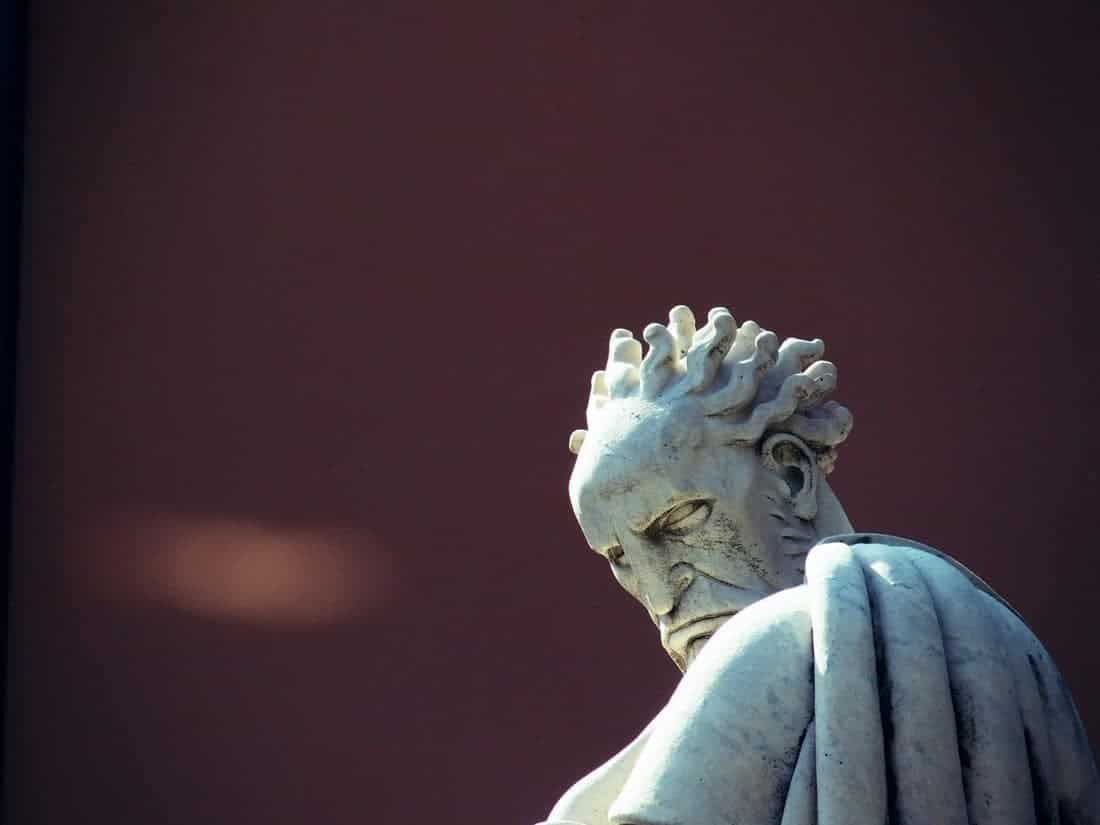 Sculpture of a disgruntled man, Genoa, Liguria, Italy (2016-03-12)