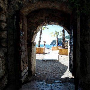 Mogren beach as seen from Budva's old town, Montenegro (2016-10-02)