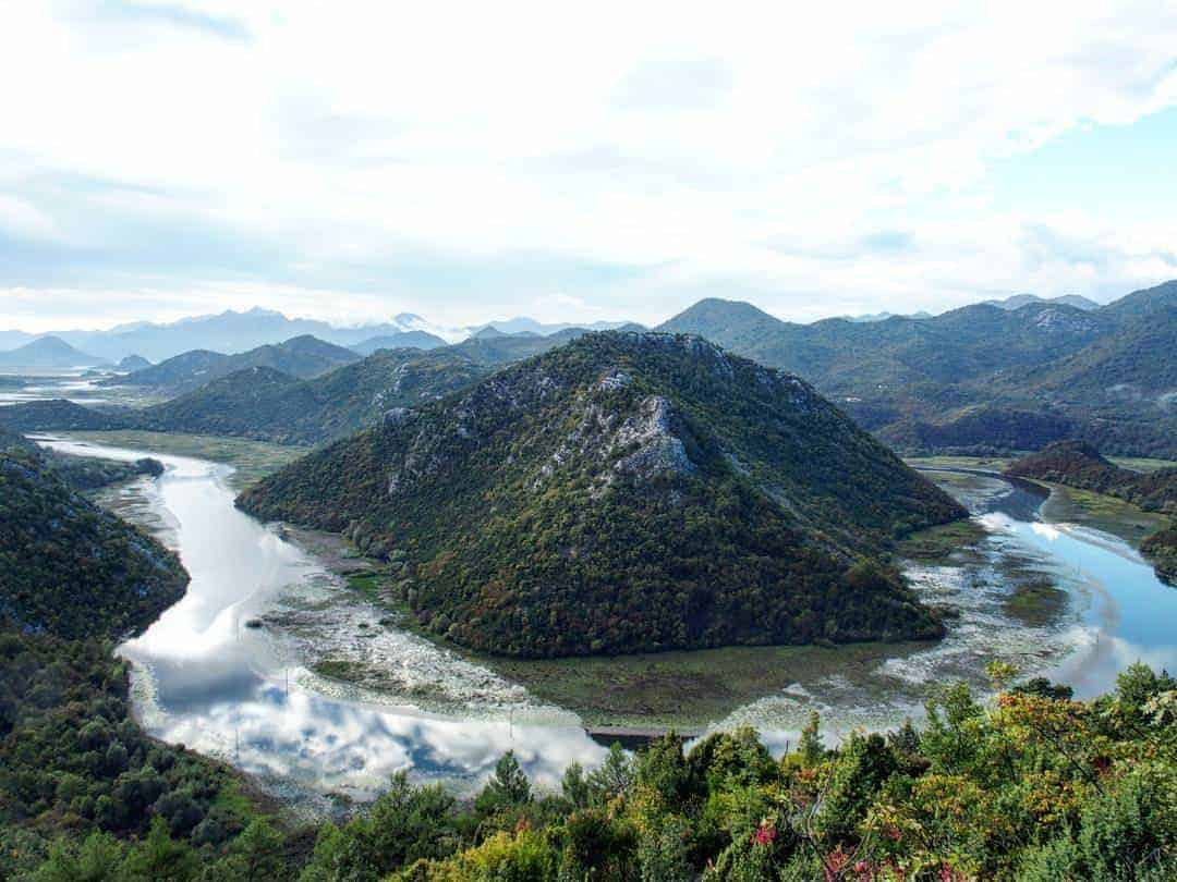 Skadar Lake large horseshoe bend, Montenegro (2016-10-04)