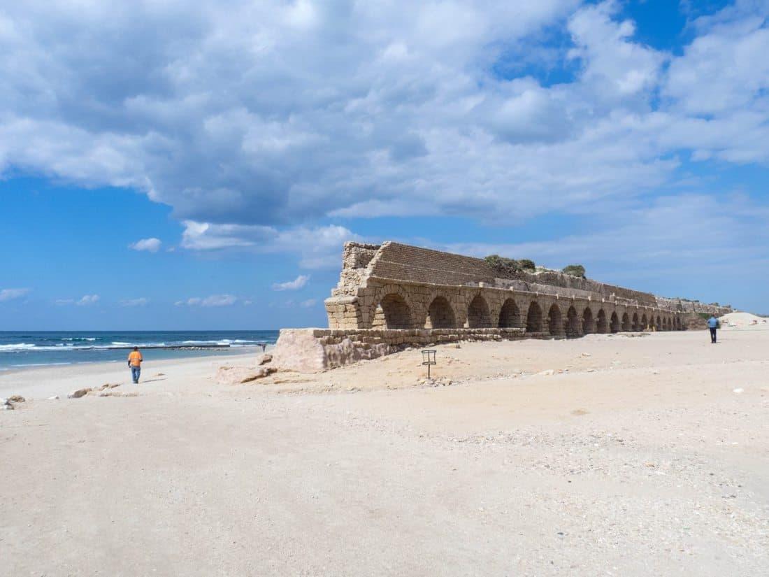 Aqueduct on the beach, Caesarea, Israel (2017-02-17)