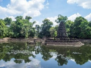 Large basin at Neak Poan Angkor Big Circuit, Siem Reap, Cambodia (2017-04-10)