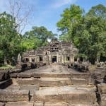 Walking towards Banteay Kdei, Angkor Circuit, Siem Reap, Cambodia (2017-04-10)