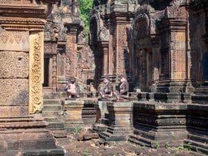 Banteay Srei sculptures, Angkor, Siem Reap, Cambodia (2017-04-10)