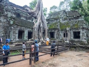 Ta Prohm tourist photo ops, Angkor Small Circuit, Siem Reap, Cambodia (2017-04-13)
