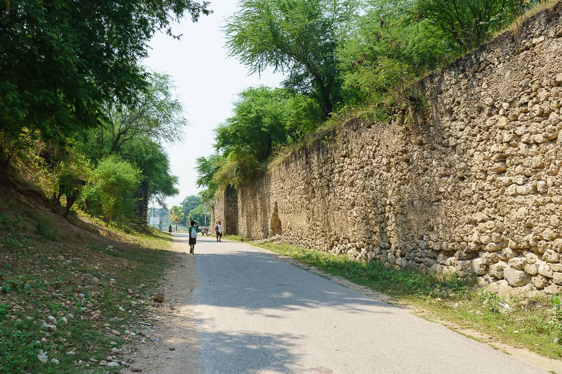 Baucau to Lautem road with fort walls, East Timor