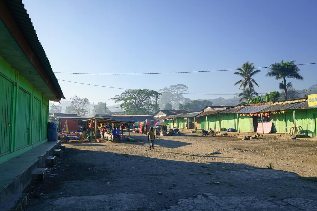 Morning on Gleno market, East Timor